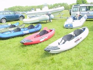 Many_inflatable_canoes